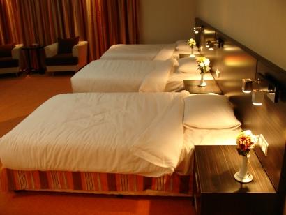 بهترین اتاق هتل را به سلیقه ی خود انتخاب کنید.